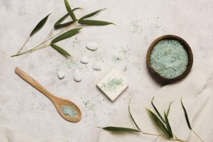 EVERYTHING ABOUT BLACKHEADS AND WHITEHEADS - bamboo salt