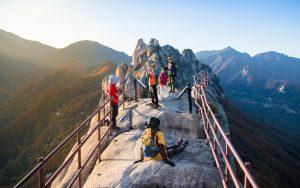 korea travel destinations- seoraksan- mountain- hiking